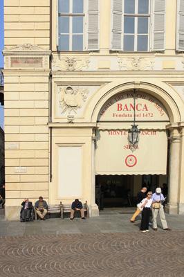 Piazza S. Carlo 1