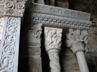 Dettaglio del Portale dello Zodiaco, Sacra di S. Michele